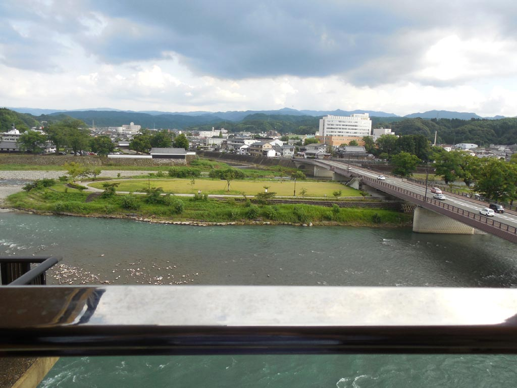 球磨川から人吉城址
