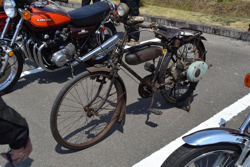 自転車オートバイかな?