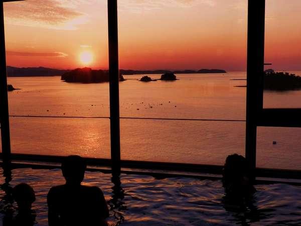 展望風呂から、東シナ海の夕陽