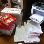 大量印刷終了、同窓会報を製本