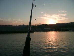 青島港の日没です。