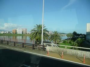 大淀川を渡ります
