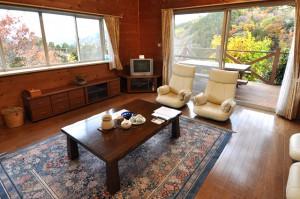 別荘みたいな造りで、露天風呂とロフト付き寝室が