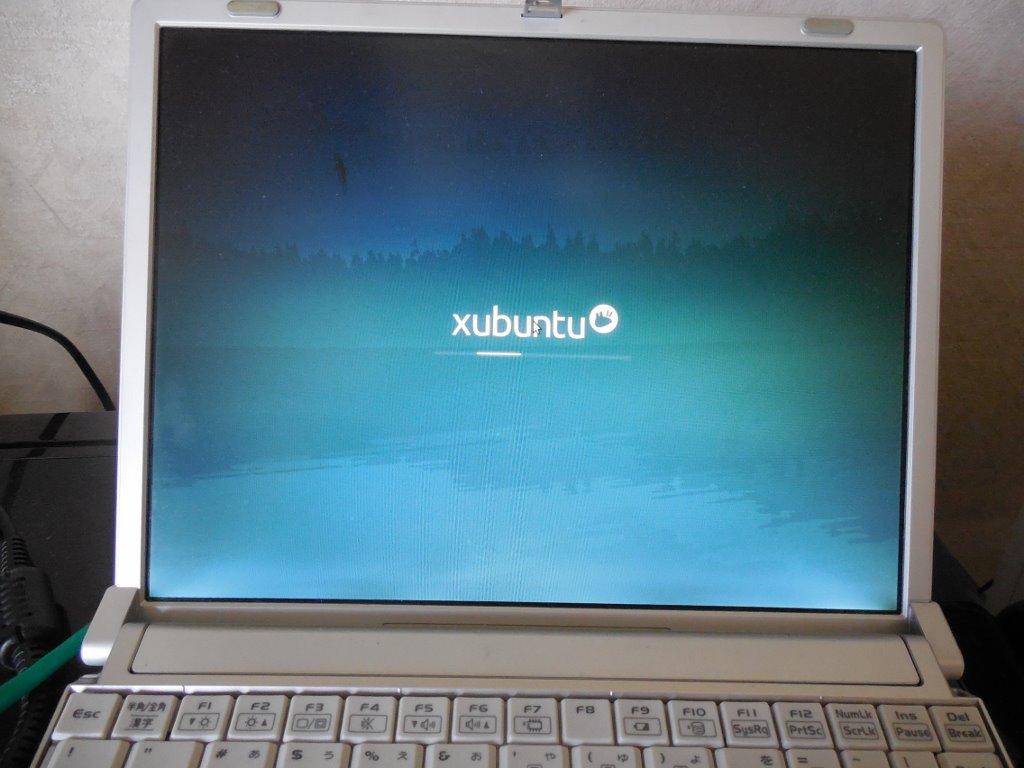 Xubuntu 順調に立ち上がりました。